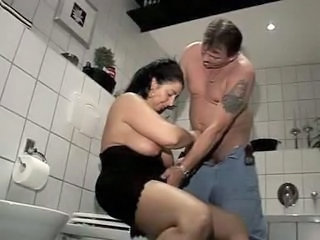 Amateur Mature Older Toilet Wife