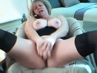 Masturbating Mature Squirt Webcam