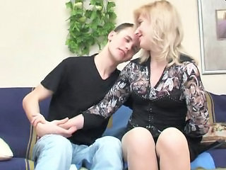 Blonde Blowjob Facial Mature Teen