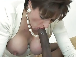 Mamada Interracial Madura
