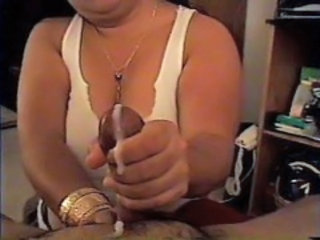 Amateur Chubby Cumshot Handjob Homemade Wife