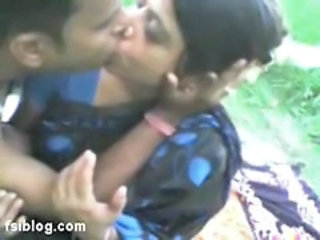 Amateur Indian Kissing  Outdoor