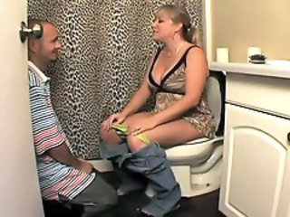 Amateur Licking  Mom Old and Young Toilet