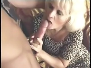Blowjob Mature Mom Old and Young