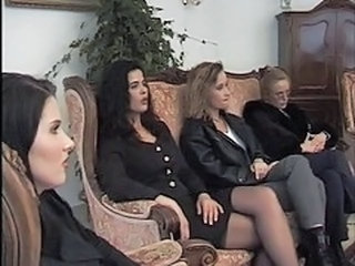 Groupsex Lesbian  Party