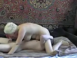 Amateur Blowjob Homemade Licking Mature Mom Old and Young