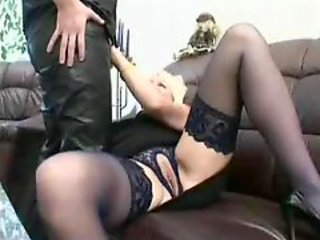 Mature bitch takes cumload after fuck