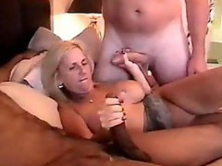 Older daughter foursome in inn bed with squirting