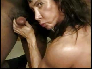 Female bodybuilding slut Debra D&amp,#039,Andrea giving head...F70