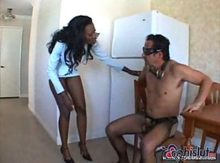 Nyomi Banxxx is a delicate black lady