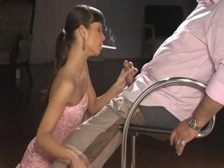 Teen Angelina Give Oldmen A Smok...