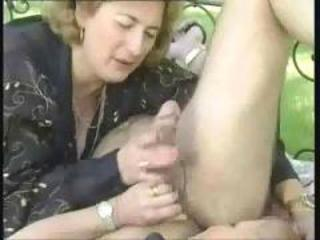 Double kinky mature blowjobs