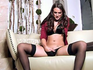 Misty Anderson alone chick rubbing her clit