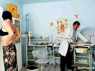 "Barbora Visits Gyno Doctor To Get Mature Pussy Checked"" class=""th-mov"