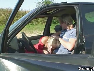 Granny fucked in the car