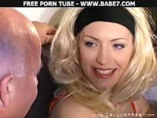 Hot babe gets two dicks