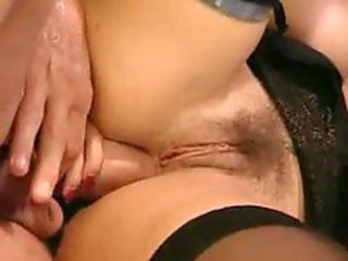 Italian milf likes a thick cock in her ass