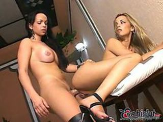 Blond chick banged by tranny