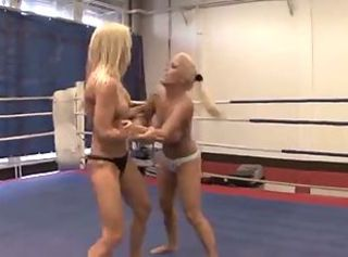 Naked busty boxer lady fucks her enemy fervently on square ring