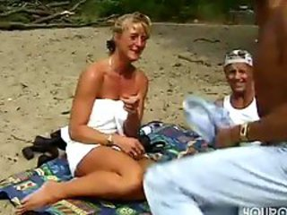 Guy nails blonde on private beach while dork..