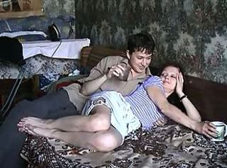 (maturescreen) russian drunk on bed(2)