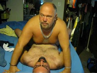 Daddy gets his boy (Willy) off i