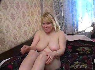 GROUP SEX MOMS 1
