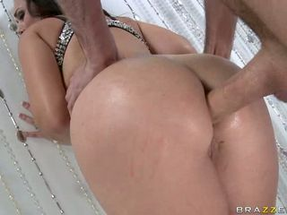Hot bitch Holly West gets her awesome ass plugged with a hard beefy schlong