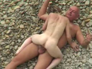 SEX Vulnerable THE BEACH 1