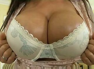 Huge Tits Lisa Ann 3some