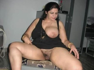 Bhabhi Enjoying It