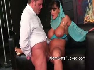 Big Tittied Genie Lisa Ann Rides...