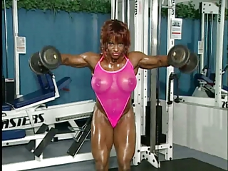 Sexy Muscled Bodybuilder Woman 3 - Doll-sized Sound