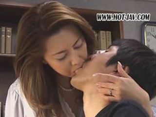 Mom Mature Kissing Japanese