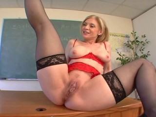 Nina Hartley - Mommy Loves Young...