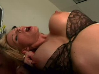 Bigtits Diamond Foxxx Analized !!!