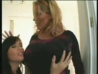 Laura & Veronica 4some