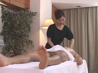 Japanese massage 08 - female masseuse involving a guy