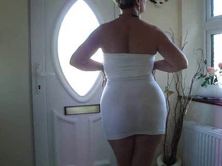 MATURE BOOTY IN SHORT WHITE DRESS