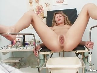 Vanesa extreme pussy untaken receptive on gyno chair at kinky gyno