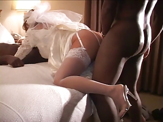 White Bride Fucked By 2 Bbc On W...