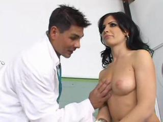 Rebecca Linares At The Doctor