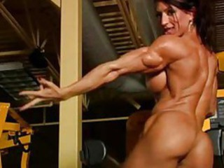 Incredibly muscular woman in gym definitely nude