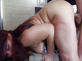 Couple fucks and sucks in bathroom