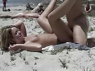 sex in the  beach