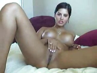 Girl with hot body doing long webcam show