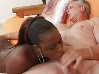 Petite Sombre Sucking Big Daddy