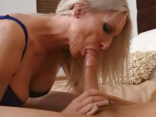 Sizzling hot Emma Starr stuffs her mouth with a unsighted shaft and enjoys it