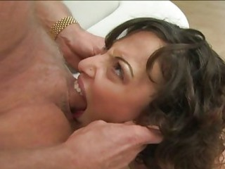 Pornstar Veronica Jett takes no limits blowing an awesome cock in her mouth