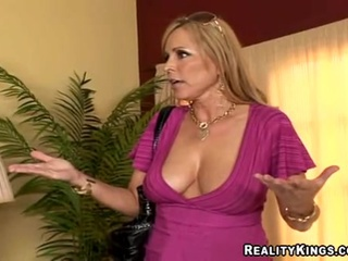 Scatological milf Nicole Moore takes pointers on sucking blarney from friend